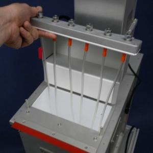 Top door for catheter/guidewire loading